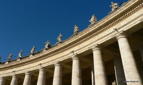 WłOCHY / brak / Rzym / Rzym Bazylika Św.Piotra wielka kolumnada
