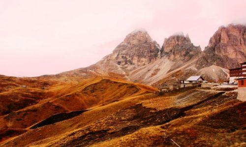 Zdjecie WłOCHY / Dolomity włoskie / w górach / Dolomity w zachodzącym słońcu