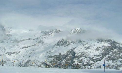 Zdjecie WłOCHY / dolina Aosty / Grassoney / w chmurach