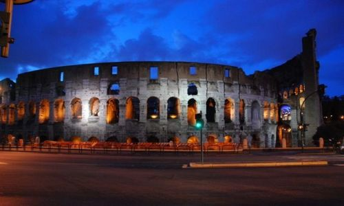 Zdjecie WłOCHY / Rzym / Rzym / Coloseum nocą-