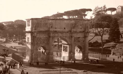 Zdjecie WłOCHY / RZYM / Piazza del Colloseo / Łuk Konstantyna