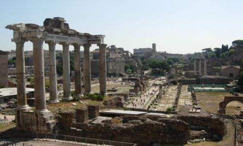 WłOCHY / środek kraju / Rzym / kolumny