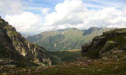 WłOCHY / . / Dolomity / Widok z Col Margherita na przełęcz San Pelegrino