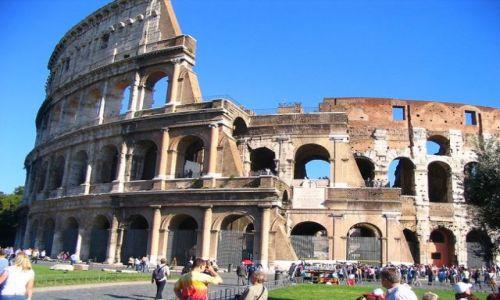 WłOCHY / Lacjum / Rzym / najbardziej znana ruina swiata: Coloseum