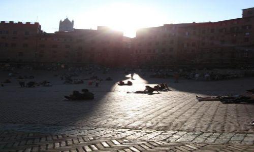 Zdjecie WłOCHY / Toskana / Sienna / rynek