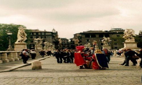 Zdjęcie WłOCHY / Lacium / Rzym / spotkanie na Moście Aniołów