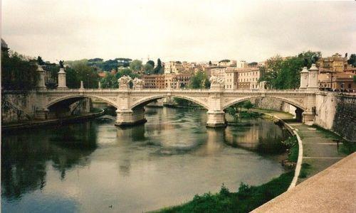 Zdjęcie WłOCHY / Lacium / Rzym / mosty nad Tybrem