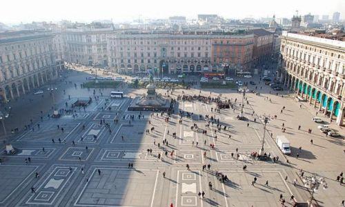 Zdjecie WłOCHY / - / Mediolan / Plac przed Kate