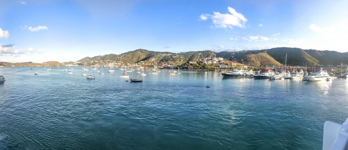 Zdjęcia: Charlotte Amalie, USVI, Panorama ze statku USVI, WYSPY DZIEWICZE STANÓW ZJEDNOCZONYCH