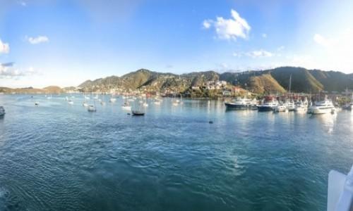 Zdjęcie WYSPY DZIEWICZE STANÓW ZJEDNOCZONYCH / USVI / Charlotte Amalie / Panorama ze statku USVI