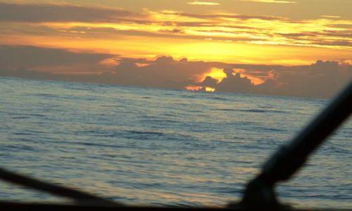 Zdjęcie WYSPY KARAIBSKIE / Atlantyk / między Karaibami a Azorami / Feria barw nad Atlantykiem