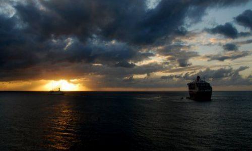 Zdjęcie WYSPY KARAIBSKIE / Grenada / St.George Harbour/reda / Na redzie
