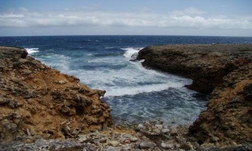 Zdjęcie WYSPY KARAIBSKIE / Curacao / Shete Boka National Park / nad brzegiem morza 18