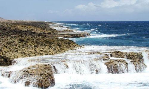 Zdjęcie WYSPY KARAIBSKIE / Curacao / Shete Boka National Park / nad brzegiem morza 21