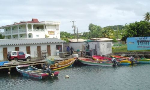 Zdjecie WYSPY KARAIBSKIE / St. Lucia / Rodney Bay /  Lodzie pilotów podejściowych