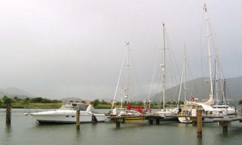 Zdjęcie WYSPY KARAIBSKIE / St. Vincent / południowy cypel / Tuż przed deszczem