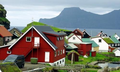 Zdjęcie WYSPY OWCZE / Wyspa Eysturoy. / Gjógv / Kolorowe domki