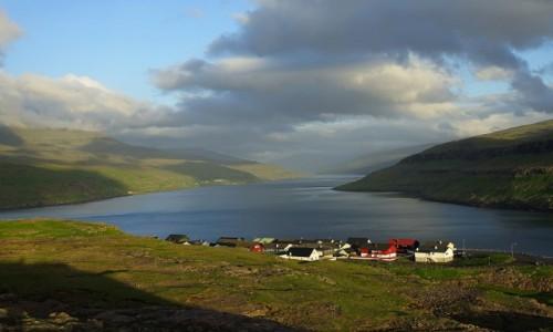 Zdjęcie WYSPY OWCZE / Wyspa Eysturoy / Duvugarðar / Ku zachodowi