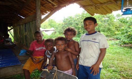 Zdjęcie WYSPY SALOMONA / Pacyfik, Oceania / Guadalcanal, Aruliho / Salomońskie dzieci