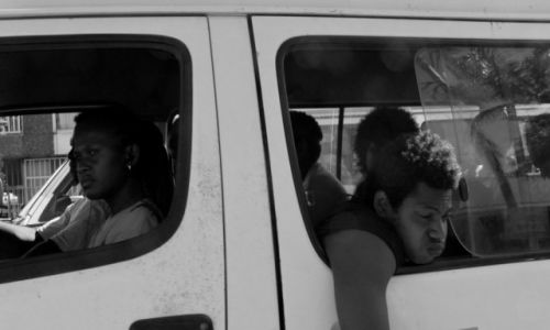 Zdjecie WYSPY SALOMONA / - / Honiara / Thoughtful