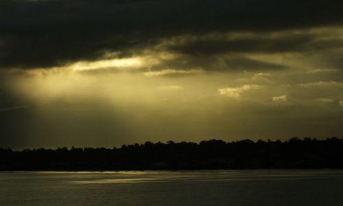 Zdjęcie WYSPY SALOMONA / Honiara / Honiara / Cisza po burzy