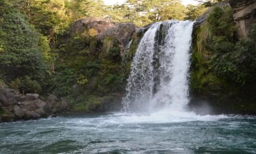 Zdjecie WYSPY SALOMONA / Guadalcanal / Honiara / Wodospad Kakambona