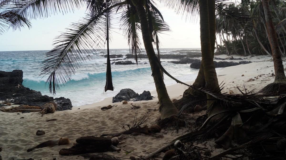 Zdjęcia: Południowy kraniec wyspy, Ilheu Das Rolas, Sao Tome - wyspa Robinsona?, WYSPY ŚWIĘTEGO TOMASZA i KSIĄŻĘCA