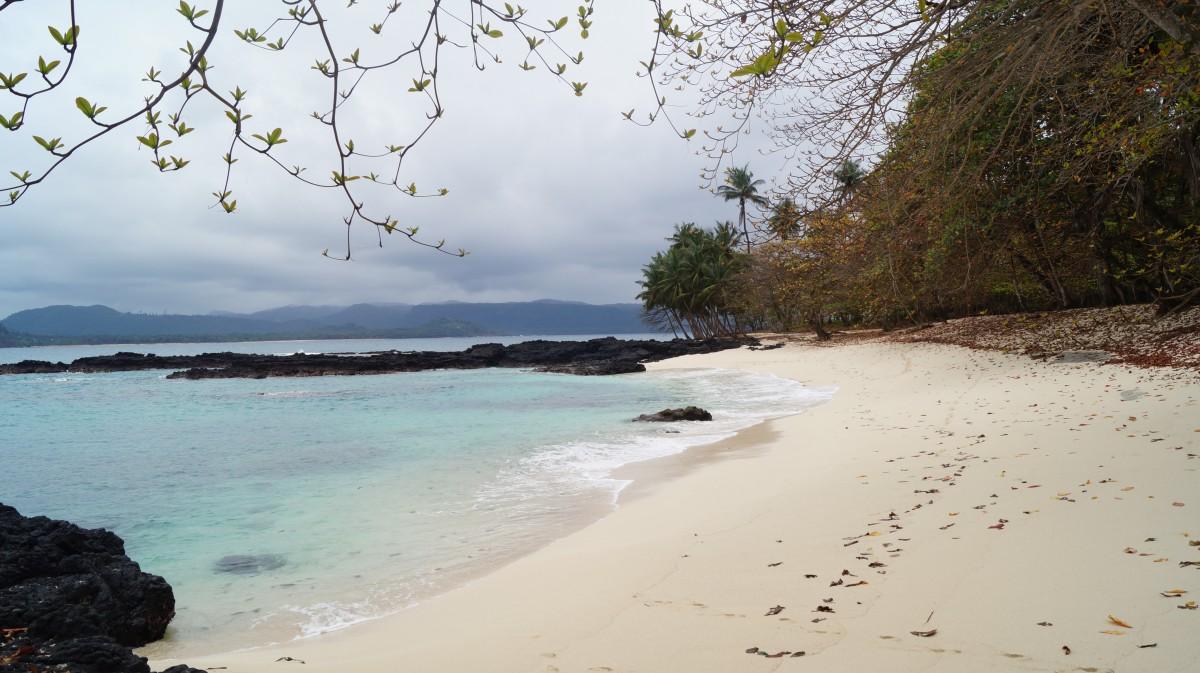 Zdjęcia: lheu das Rolas, Ilheu das Rolas, Ekologiczny raj i najdziksze plaże, WYSPY ŚWIĘTEGO TOMASZA i KSIĄŻĘCA