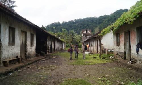 WYSPY ŚWIĘTEGO TOMASZA i KSIĄŻĘCA / Sao Tome / Bombajm / Ślady niewolnictwa