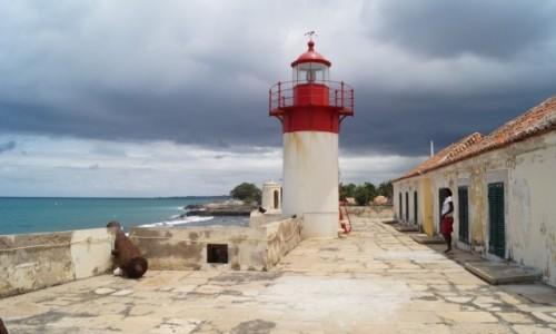 WYSPY ŚWIĘTEGO TOMASZA i KSIĄŻĘCA / Sao Tome / Cytadela / Latarnia na cytadeli