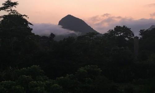 Zdjecie WYSPY ŚWIĘTEGO TOMASZA i KSIĄŻĘCA / Sao Tome / Bom Sucesso / widok na Pico Sao Tome