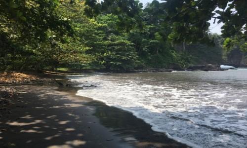 Zdjecie WYSPY ŚWIĘTEGO TOMASZA i KSIĄŻĘCA / Sao Tome / okolice Porto Alegre / Plaża niedaleko