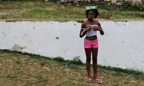 Zdjecie WYSPY ŚWIĘTEGO TOMASZA i KSIĄŻĘCA / Sao Tome / Monte Cafe / Zaraz coś mi spadnie