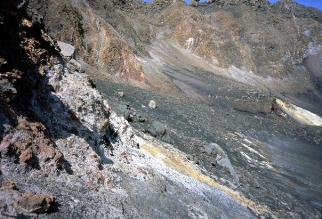 Zdjęcia: Portella, Fogo, schodząc do dna krateru, Wyspy Zielonego Przylądka