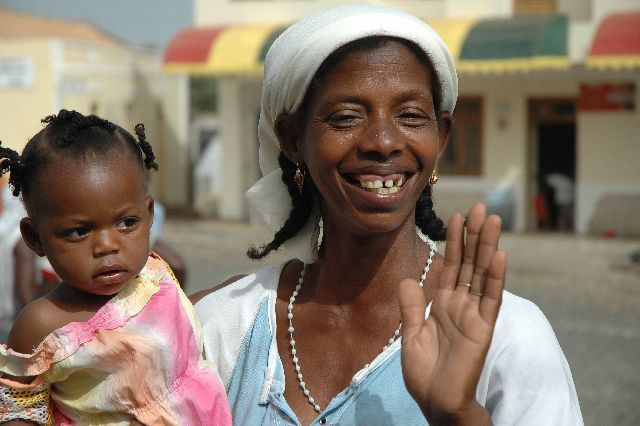 Zdjęcia: Santiago, mama z dzieckiem, Wyspy Zielonego Przylądka