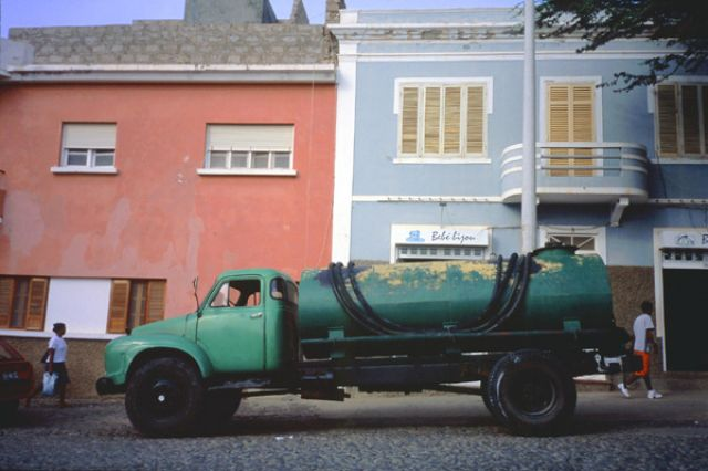 Zdj�cia: Mindelo, Sao Vincente, beczkow�z retro, Wyspy Zielonego Przyl�dka
