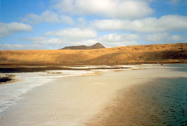 Zdj�cia: krater w Pedra de Lume, Sal, St�d s�l na Sal..., Wyspy Zielonego Przyl�dka