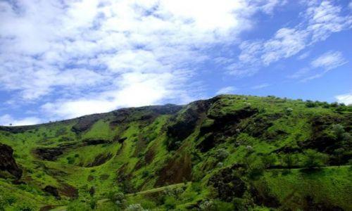 Zdjęcie WYSPY ZIELONEGO PRZYLĄDKA / Afryka / Wyspa Fogo / I niech ktoś powie, że w Afryce nie może być zielono :)