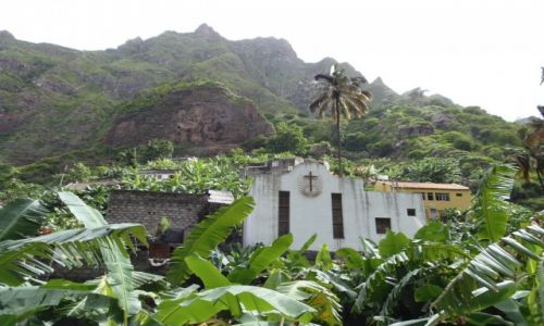 Zdjęcie WYSPY ZIELONEGO PRZYLĄDKA / Santo Antao / Okolice Ribeira Grande / Kościół