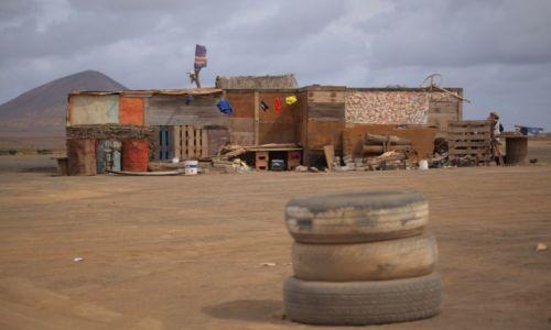 Zdjęcie WYSPY ZIELONEGO PRZYLĄDKA / Wyspa Sal / Palmeira / Sklep w drodze z Palmeiry do Espargos