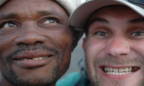 Zdjecie Wyspy Zielonego Przylądka / Cabo Verde / Santiago / Poznajmy się. Bezzębny uśmiech