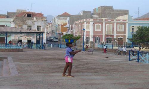 Zdjecie Wyspy Zielonego Przylądka / Sao Vincente / Mindelo / portowy koloryt