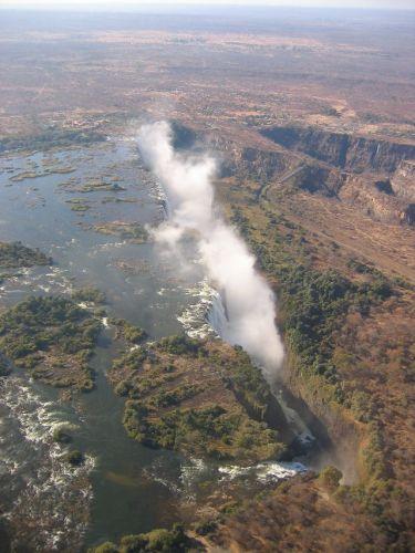 """Zdjęcia: Victoria Falls, """" dym który grzmi"""", ZAMBIA"""