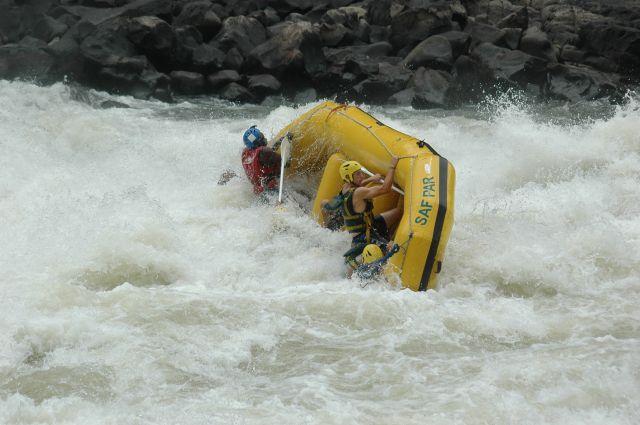 Zdjęcia: Victoria Falls, Livingstone, ..i czasem trzeba popływać :), ZAMBIA