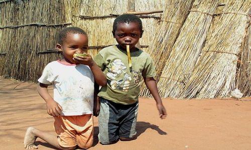ZAMBIA / okolice Livingstone / wioska Mukuni / Dzieciaki