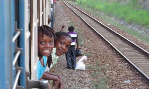 ZAMBIA / droga z Lusaki do Dar es Salaam / Tazara train / Tazara train-podróż pełna wrażeń