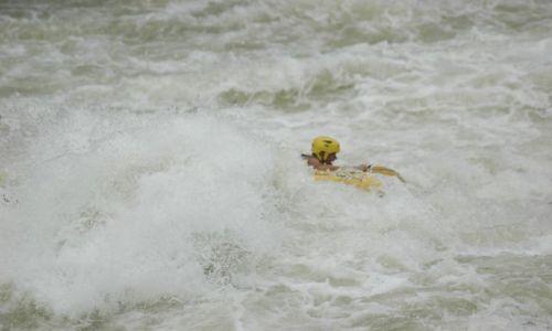 ZAMBIA / Livingstone / Victoria Falls / Jestem ma�� ��t� kaczuszk� w otch�ani Zambezi River...