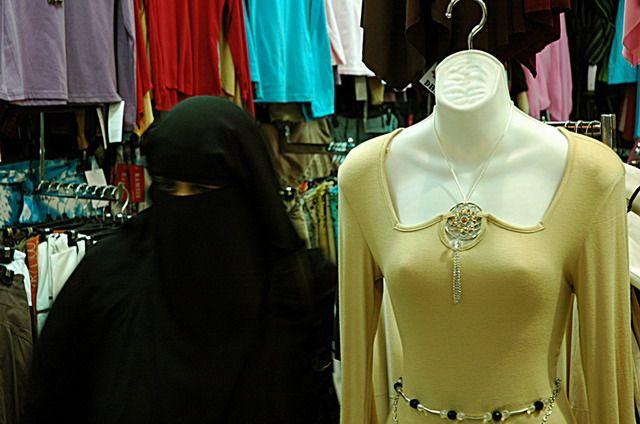 Zdjęcia: Sharjah, Zagubiona :), ZJEDNOCZONE EMIRATY ARABSKIE
