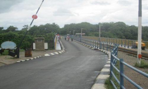 Zdjęcie ZIMBABWE / Zimbabwe / Zimbabwe / Most graniczny pomiędzy Zambią a Zimbabwe