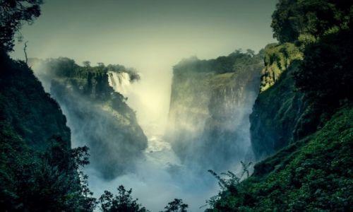 Zdjecie ZIMBABWE / Victoria Falls / Vicotria Falls / W gardzieli wodospadów